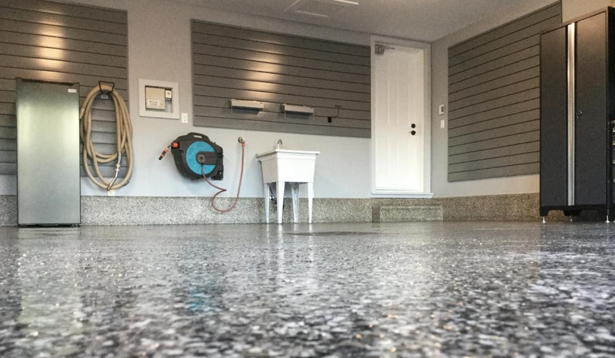 epoxy floor garage w/ cabinet